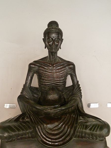 Fasting Buddha - Deror Avi / Wikimedia Commons