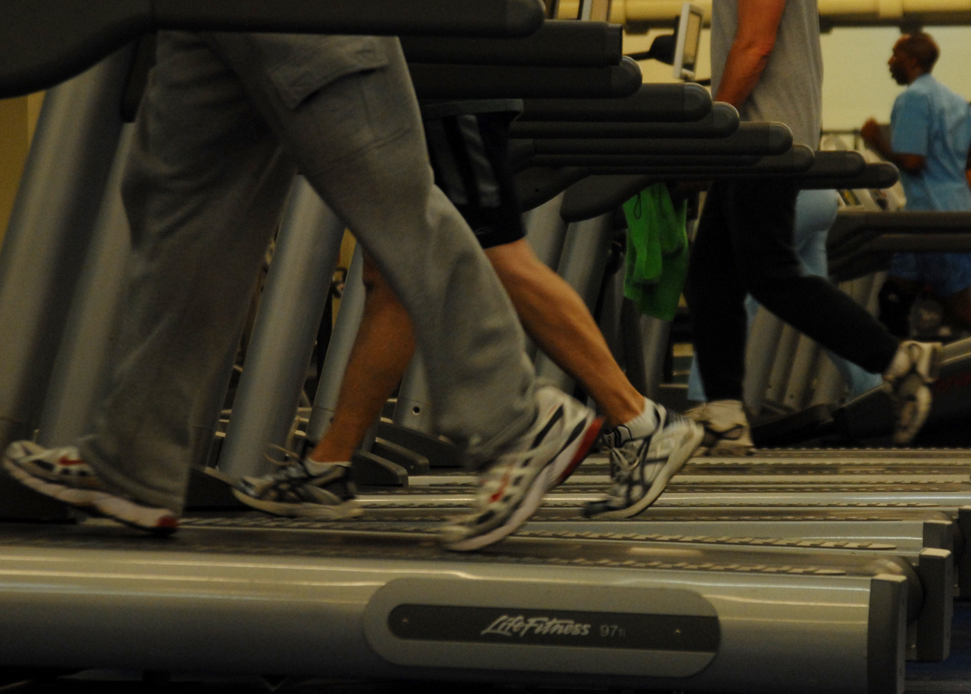 Treadmills_at_gym